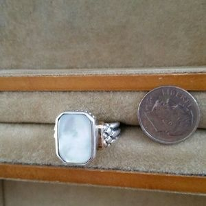 Jewelry - Mother of pearl and sterling ring